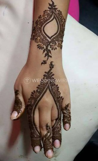 Mehndi for your hands