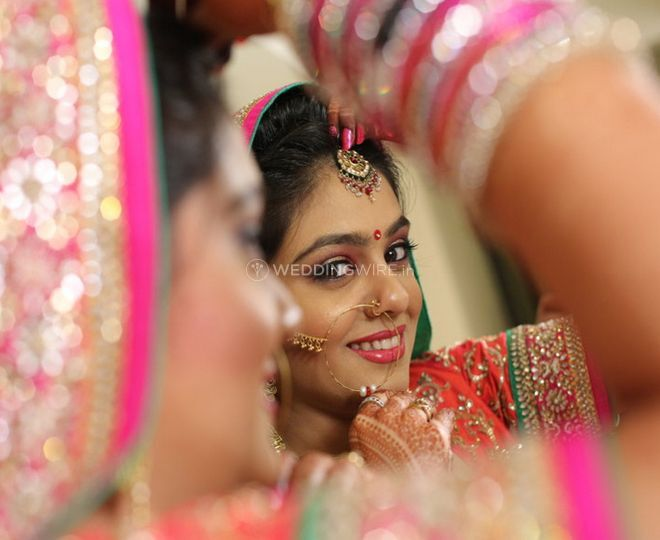 Gorgeous bride of Hi-Tech Videos