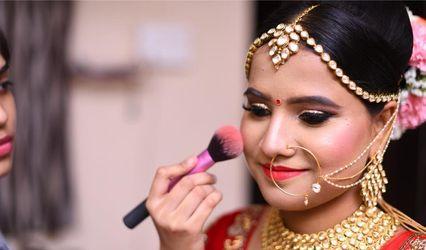 Ayushi Sanghvi Makeup Artist