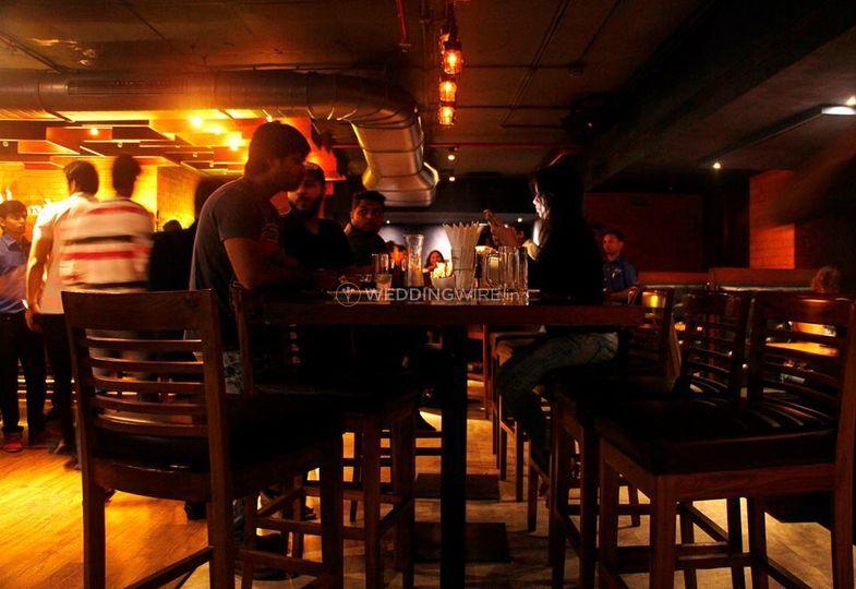 Harry's Bar & Cafe, Juhu