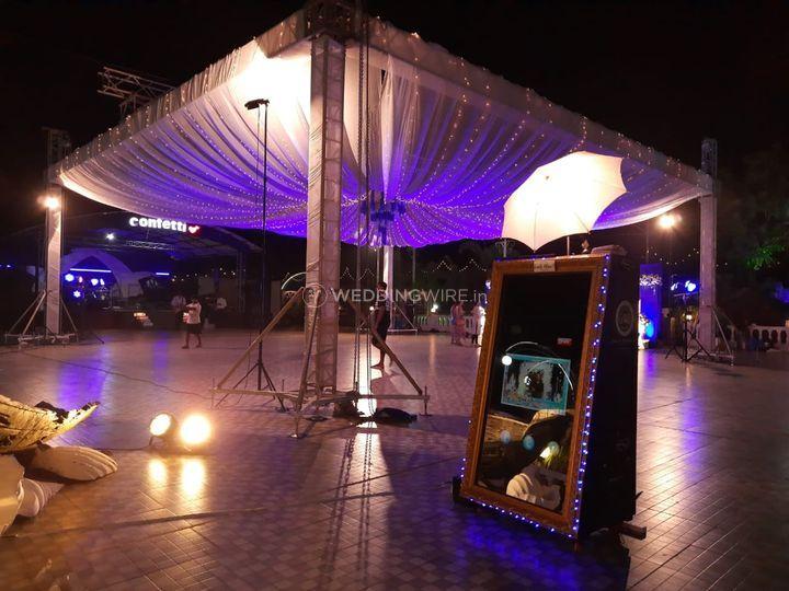 Digital Mirror, Goa