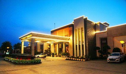 Silver Oak Resort Hotel