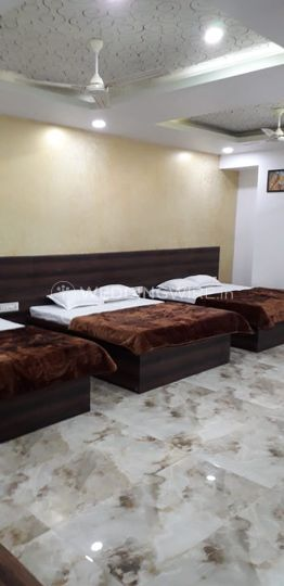 3 doubble bed room