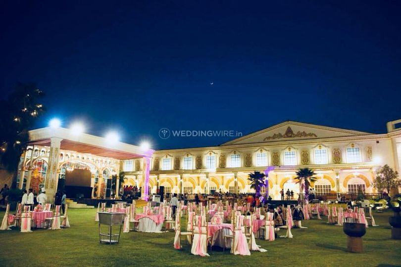 Wedding lighting and decor