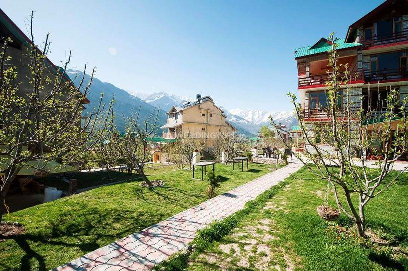 Aastha Cottage & Resort