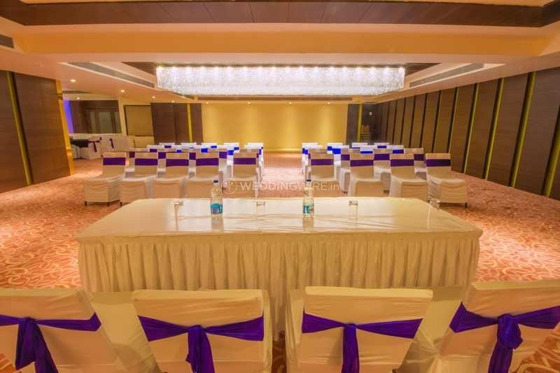 Crescent Spa & Resort, Indore