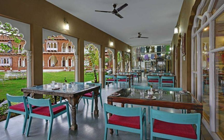 Restaurant outside dinning are