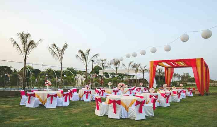 Royal Swan Banquet