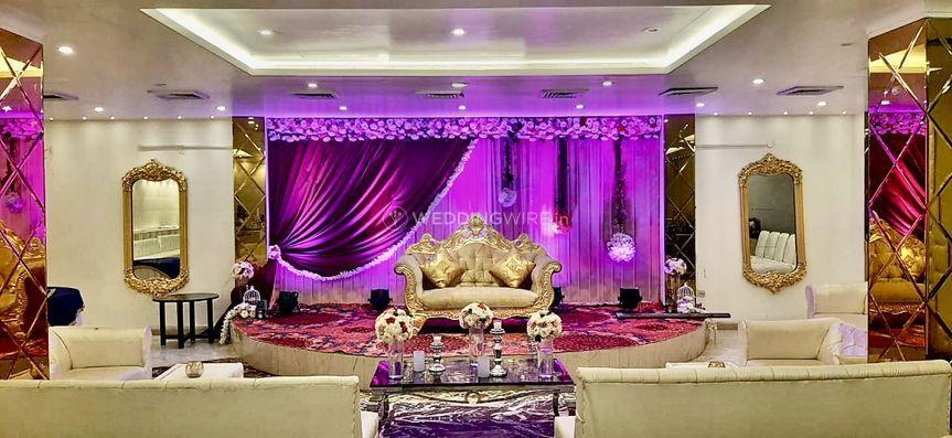 Bridal stage