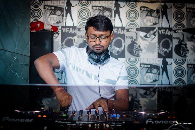 DJ SNKY