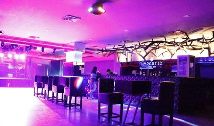 Hypnotic Lounger Bar 1