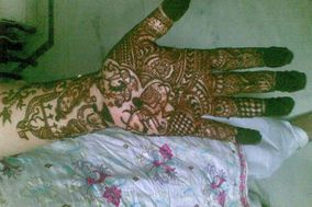 Mehndi Designing by Bharti Gupta, Chandni Chowk