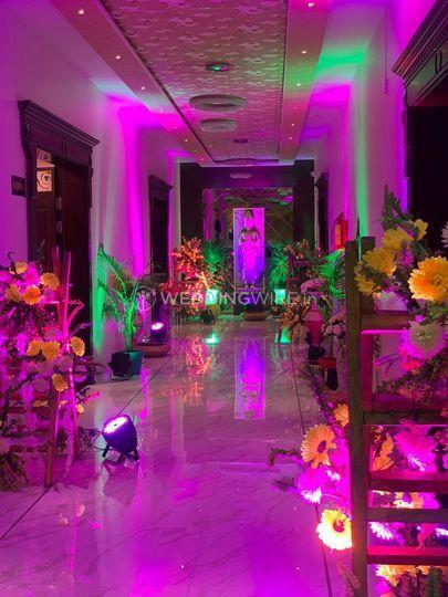 wedding venue - Options Lawn - entrance decor (3)