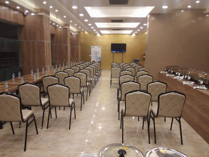 Maayas Sweets and Party Hall
