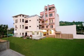 Hotel Surya Garh
