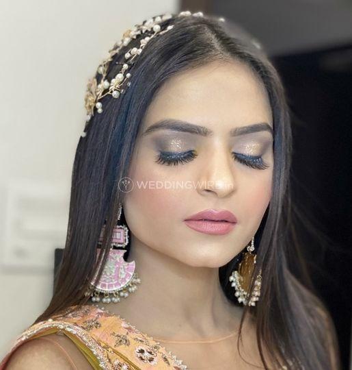 Mahendi makeup