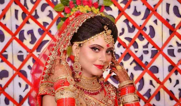 Charming Bridal Makeup And Wardrobe