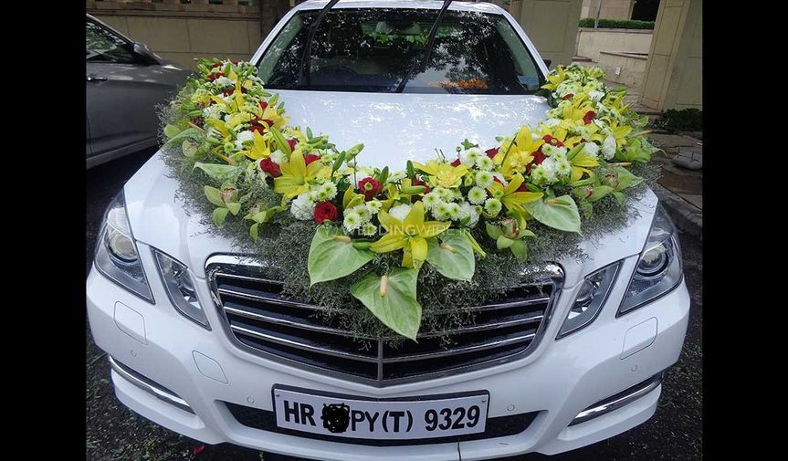 Car floral decor