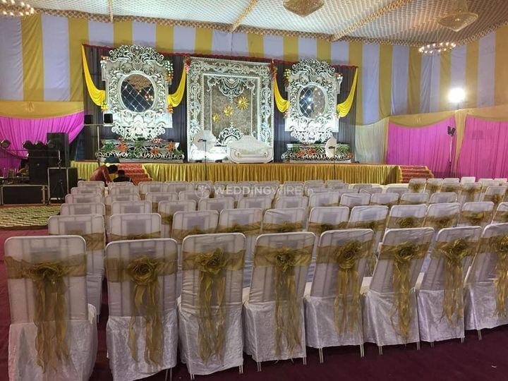 Banquet hall decor