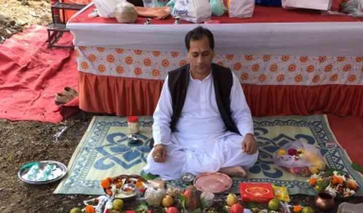 Astrologer Praful Joshi