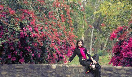 Surkh  by Harmanpreet Kaur Bhangoo