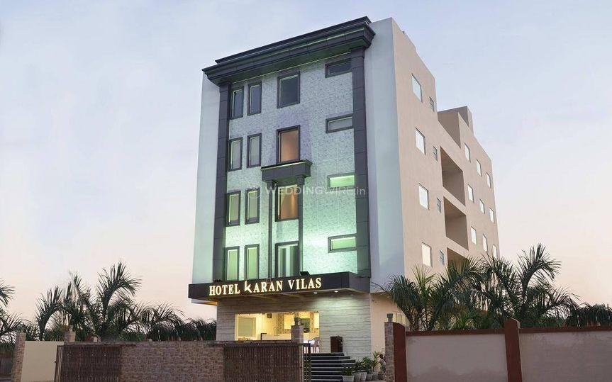 Hotel Karanvilas, Tajganj