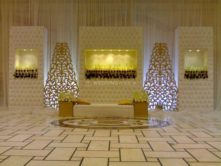 Contemporary decor