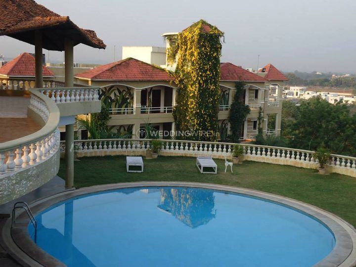 Country club medchal