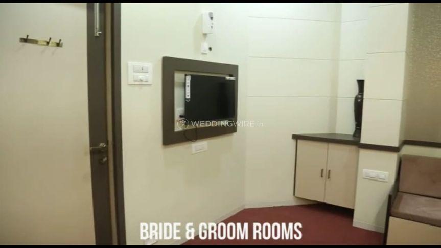 Bride & Groom Room