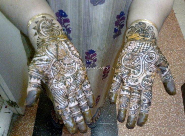 Khushi Mehndi Designer