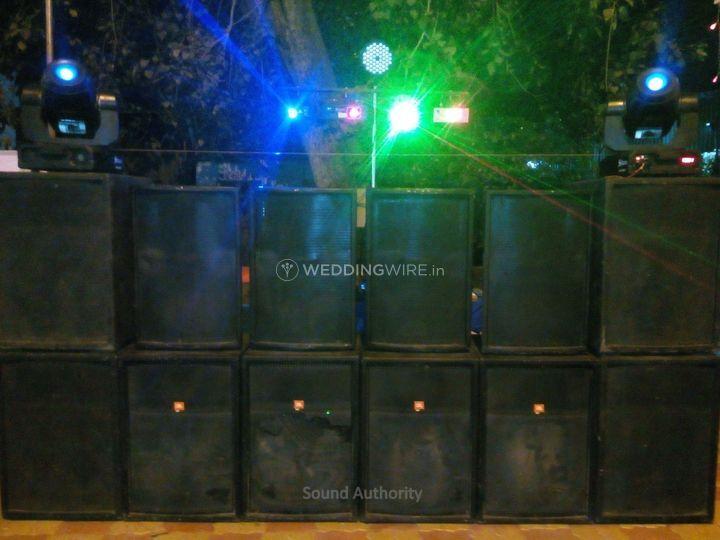 8 Bass, 4 Mid, 4 laser