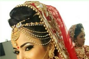 Aarti Makeover's and Makeup Academy