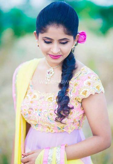 Makeup Artist Sara Khan