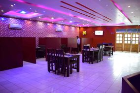 Pal Ji Restaurant & Banquet Hall