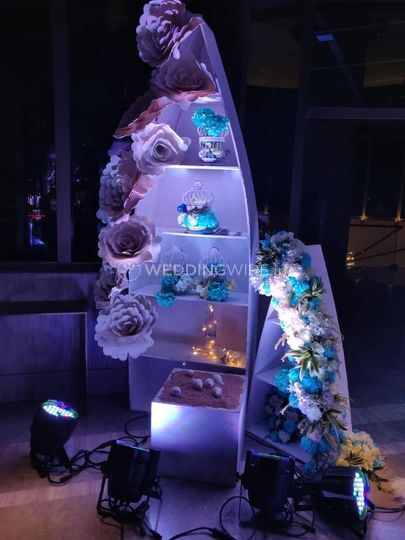 Wedding decor and lighting
