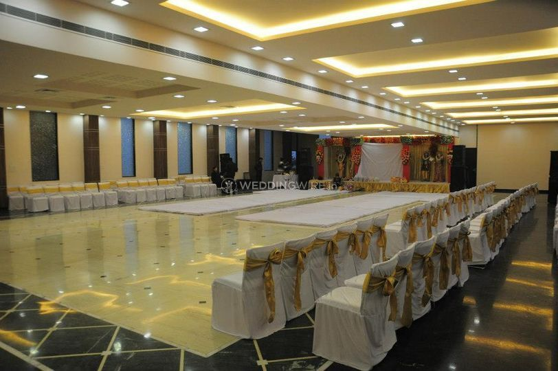 SB Castle Hotel & Banquet, Kanpur