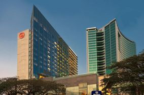 Sheraton Grand Bangalore Hotel, Brigade Gateway