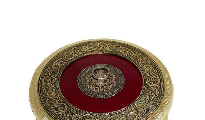 Oxidised Round Box