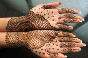 Cone Mehndi Designer by Sidhari Azamgarh