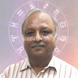 Astrologer Vinay Garg