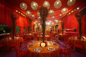 V Square Tents and Themes