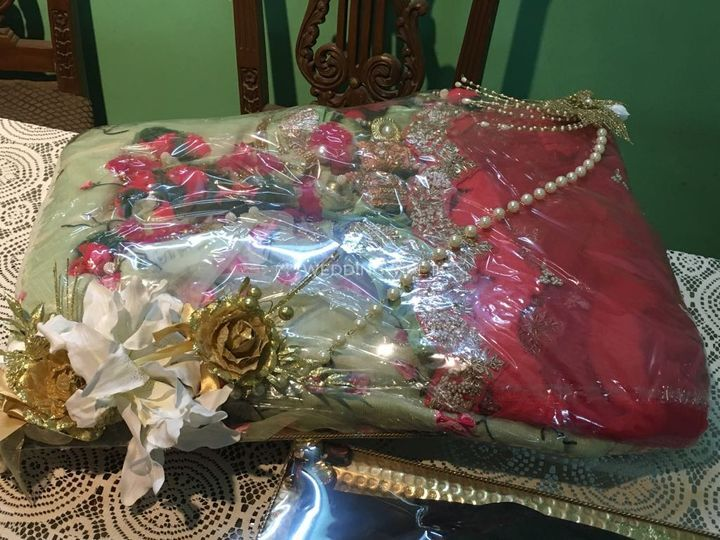 Trousseau packing design