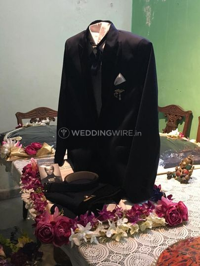 Groom's outfit