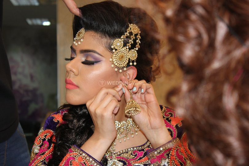 Mehndi Makeup And Hairstyle : Mehndi makeup from fatima husain makeovers photo