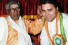 Astrologer Dr. Deepak Batra