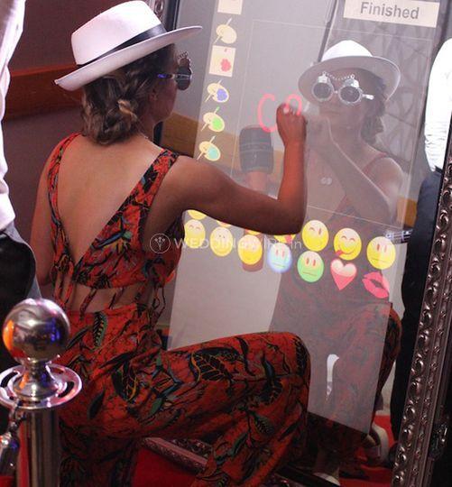 INFINITY Magic Selfie Mirror