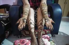 Artists Mehendi Designs By Vaishnavi Kodilkar
