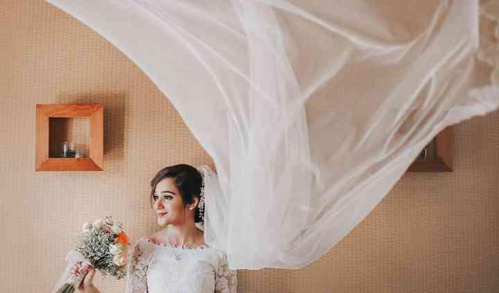 Our favorite bridal portrait ❤