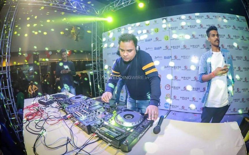 DJ Navneet
