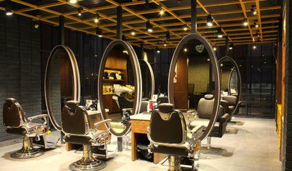 Looks Salon, GIP Mall